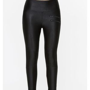 LIKE NEW! TITIKA Lacquered Black Legging Pants